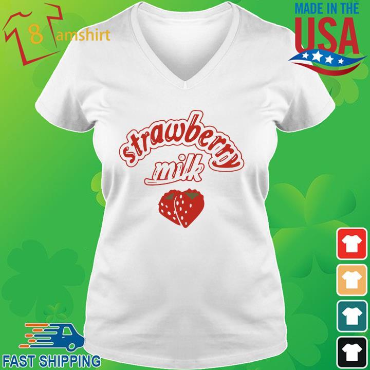 Strawberry milk vneck trang