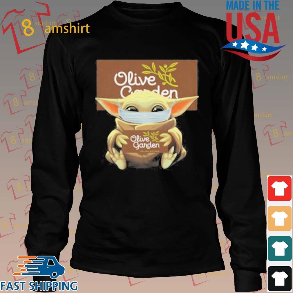 Baby Yoda Mask Hug Olive Garden T-Shirt Long den
