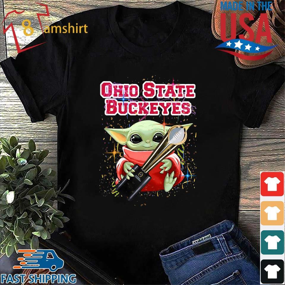 Baby Yoda Hug National Championship Ohio State Buckeyes T-Shirt Shirt den